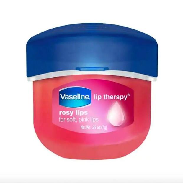 Vaseline Lip Therapy varian Rosy Lips untuk melembabkan dan mencerahkan bibir / foto: vaseline.com