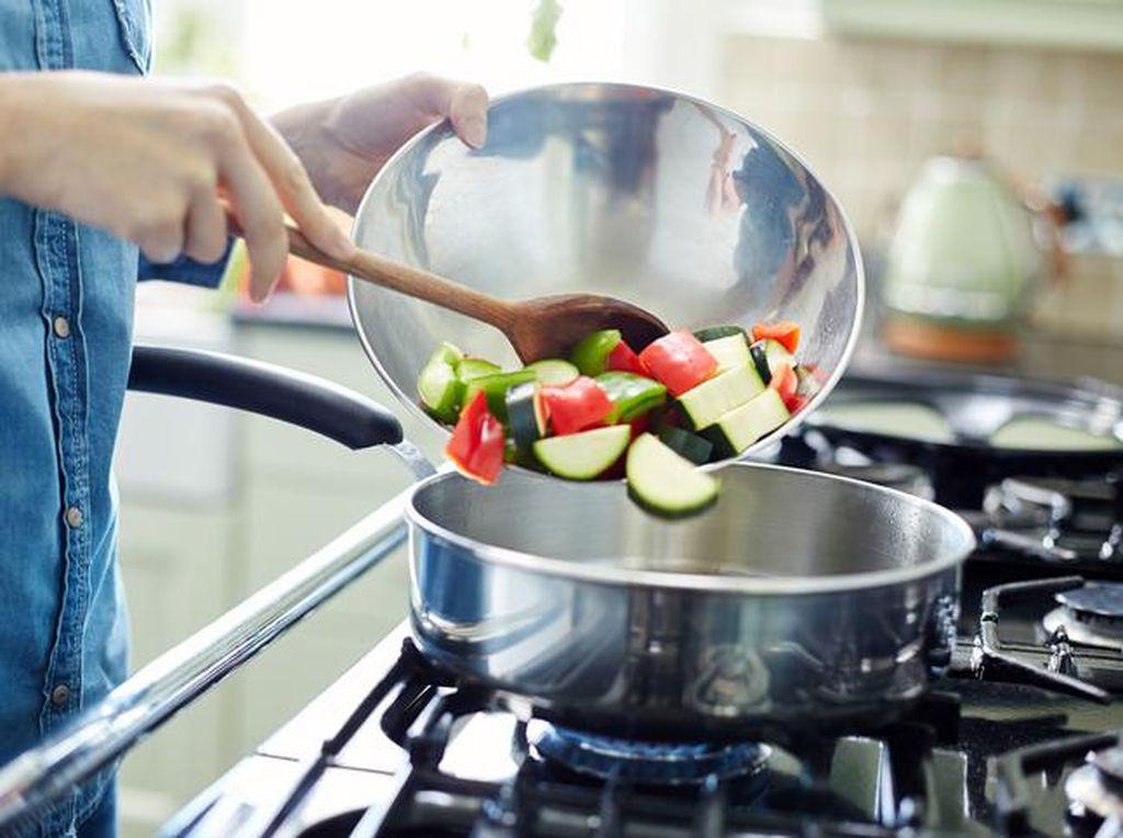 20 Tips Menghemat Waktu Memasak di Dapur dari Chef, Contek Yuk!