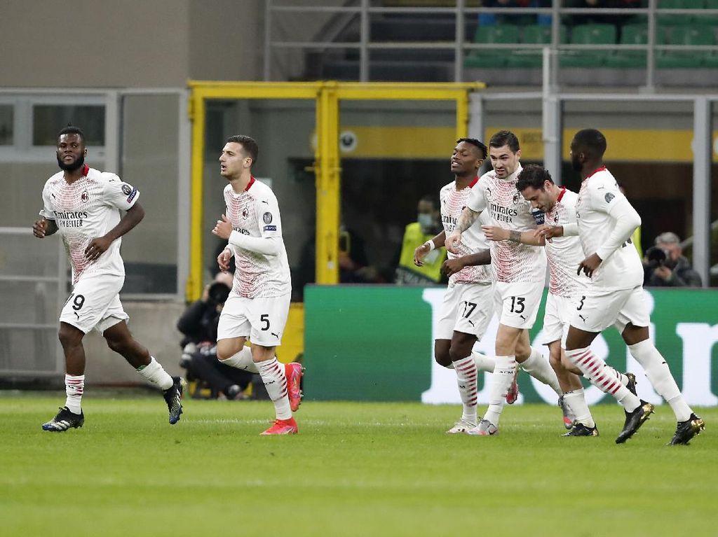 Milan vs Red Star: Imbang 1-1, Rossoneri Lolos ke 16 Besar