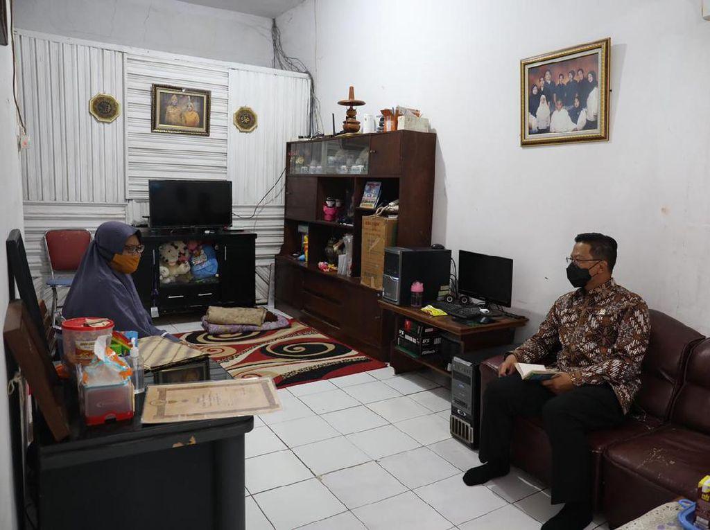 Sugiono Melayat ke Rumah Duka Mantan Penembak Mahir Kopassus: Dia Pahlawan