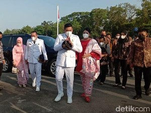 Dampingi Bobby Nasution Pelantikan, Kahiyang Ayu Anggun Berkebaya Merah