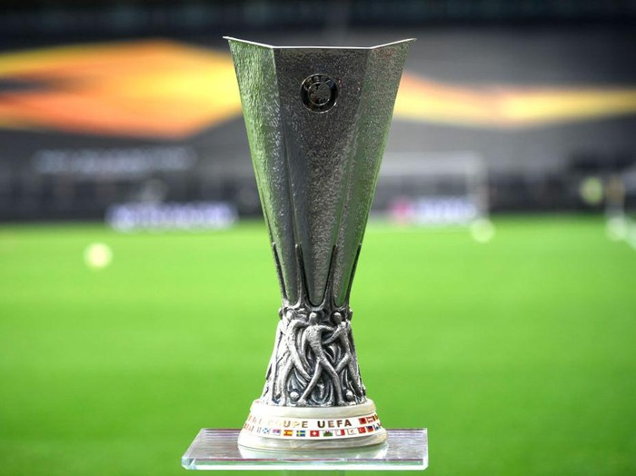 COLOGNE, GERMANY - AUGUST 21: A detailed view of the UEFA Europa League Trophy is seen prior to the UEFA Europa League Final between Seville and FC Internazionale at RheinEnergieStadion on August 21, 2020 in Cologne, Germany. (Photo by Ina Fassbender/Pool via Getty Images)
