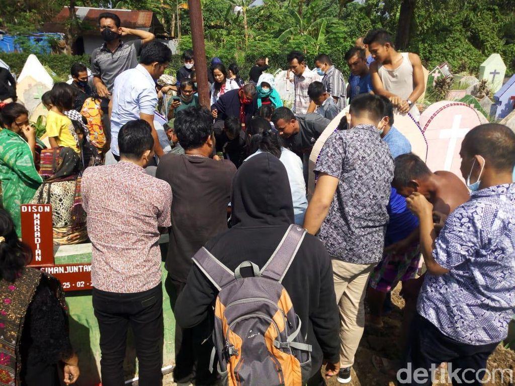 Perwakilan Polda Metro Dampingi Pemakaman Fery Korban Penembakan Bripka CS