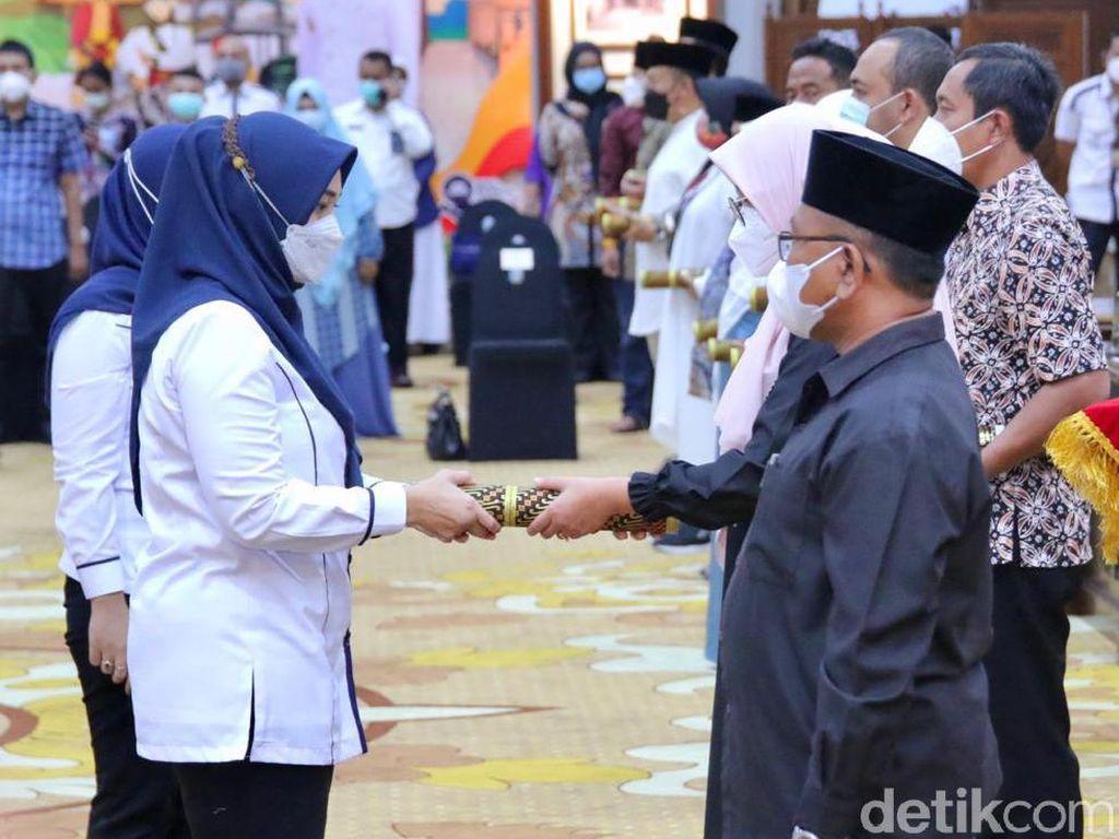 Ini Daftar 17 Kepala Daerah Jawa Timur yang Dilantik di Gedung Grahadi