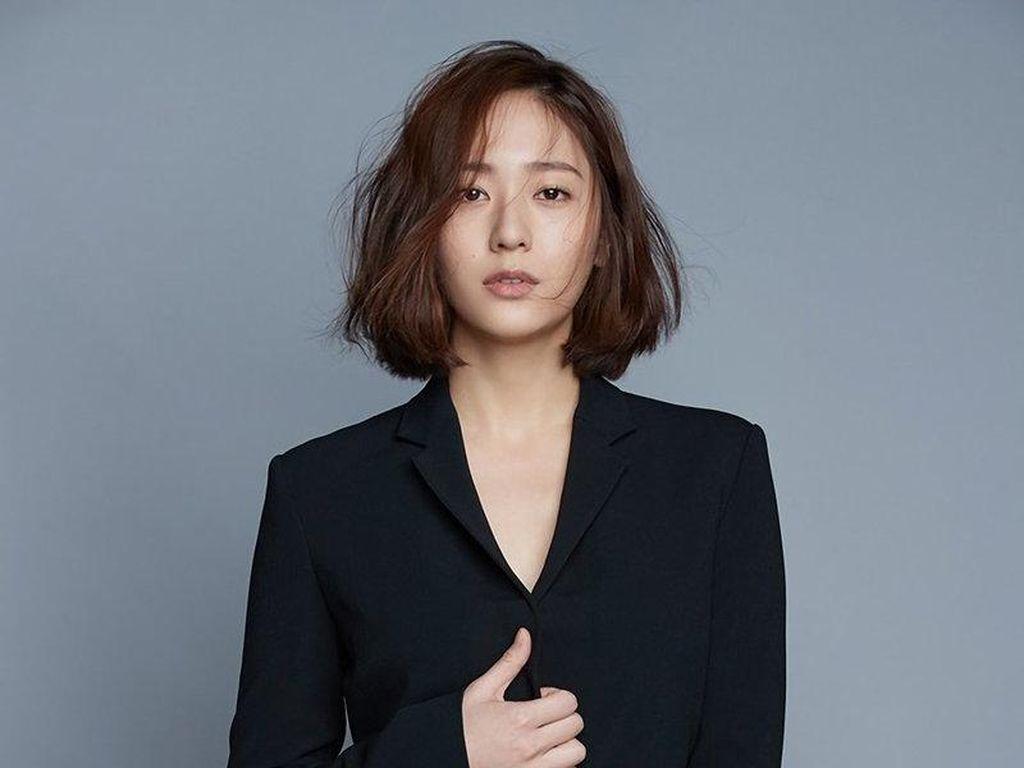 Krystal Jung Diincar Jadi Tunangan Kim Jae Wook di Drakor Crazy Love
