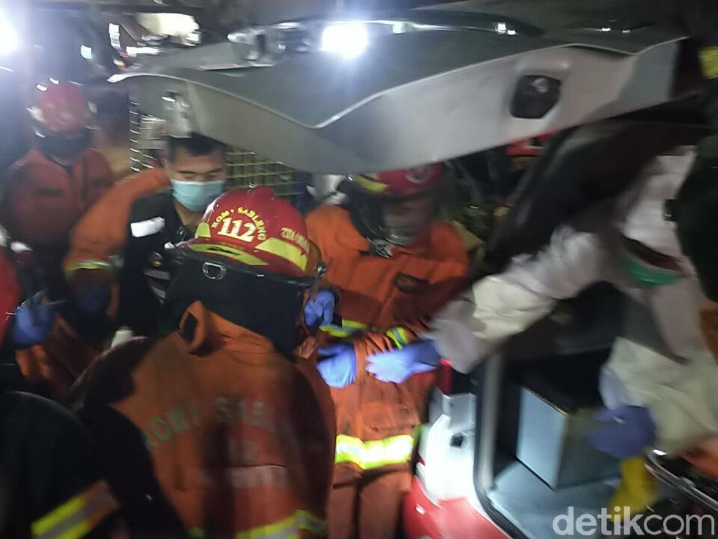 Kebakaran Rumah di Surabaya Padam, 2 Orang yang Terjebak Ditemukan Tewas