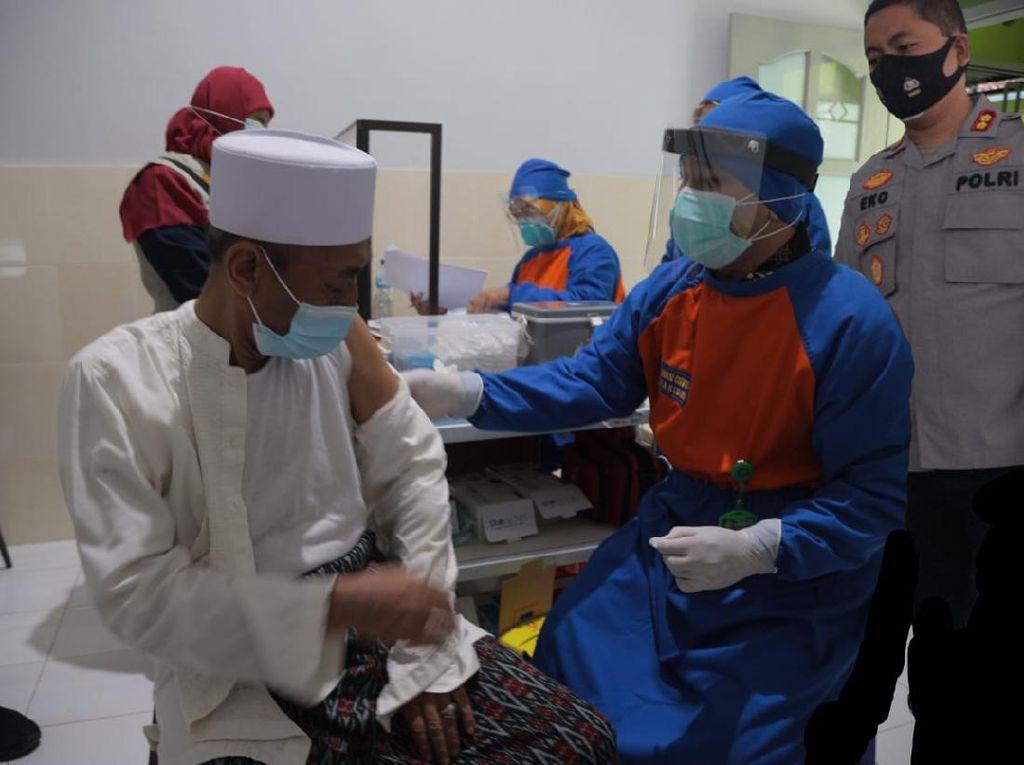 50 Kiai di Kota Kediri Mendapat Vaksin COVID-19