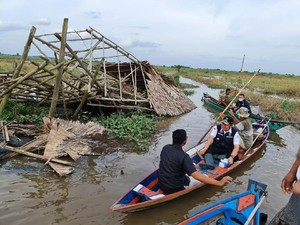 Tinjau Lokasi Puting Beliung Ogan Ilir, Gubernur Sumsel Beri Bantuan