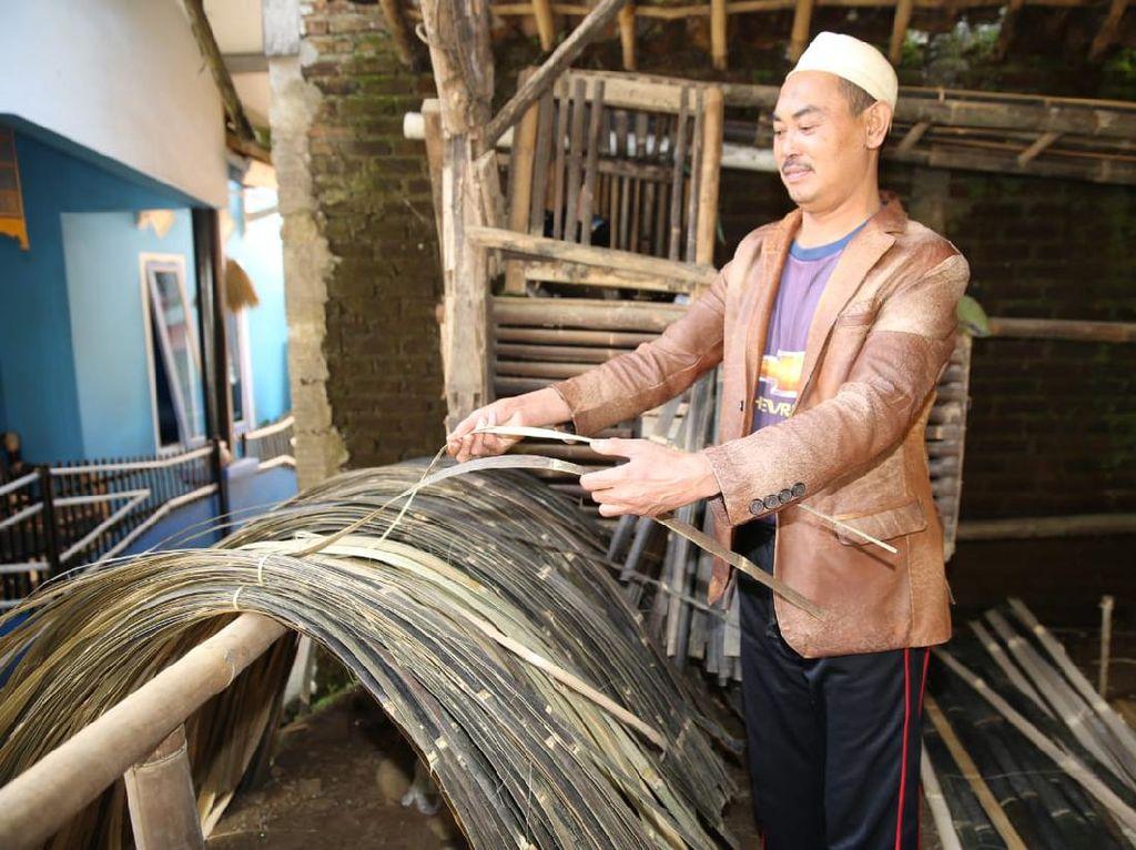 PHK dari Pabrik Pesawat, Pria di Bandung Jadi Juragan Bilik Bambu