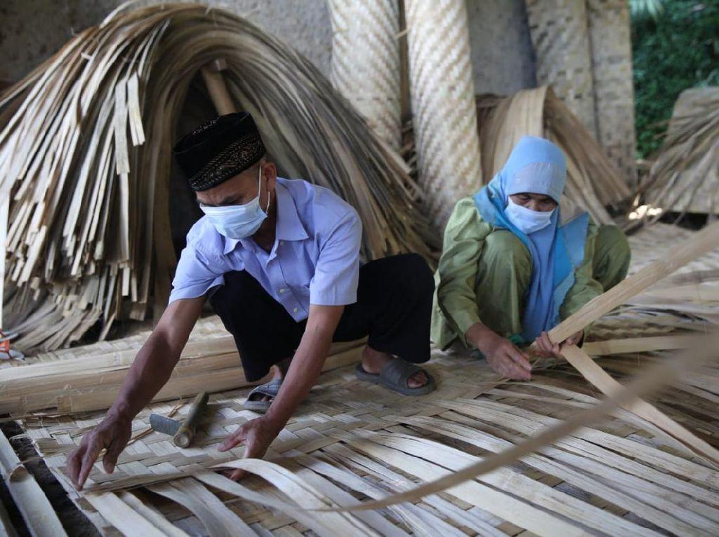 Masih Eksis, Perajin Bilik Bambu Bertahan di Era Modern