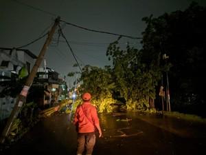 Kawasan Bekasi Utara Diterjang Puting Beliung, 20 KK Terdampak