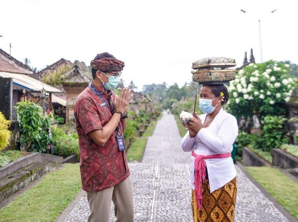 Soal Turis Lalai Prokes di Bali, Sandiaga: Deportasi!
