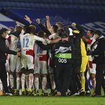Liga Europa: Gelandang West Ham Rayakan Tersingkirnya Leicester