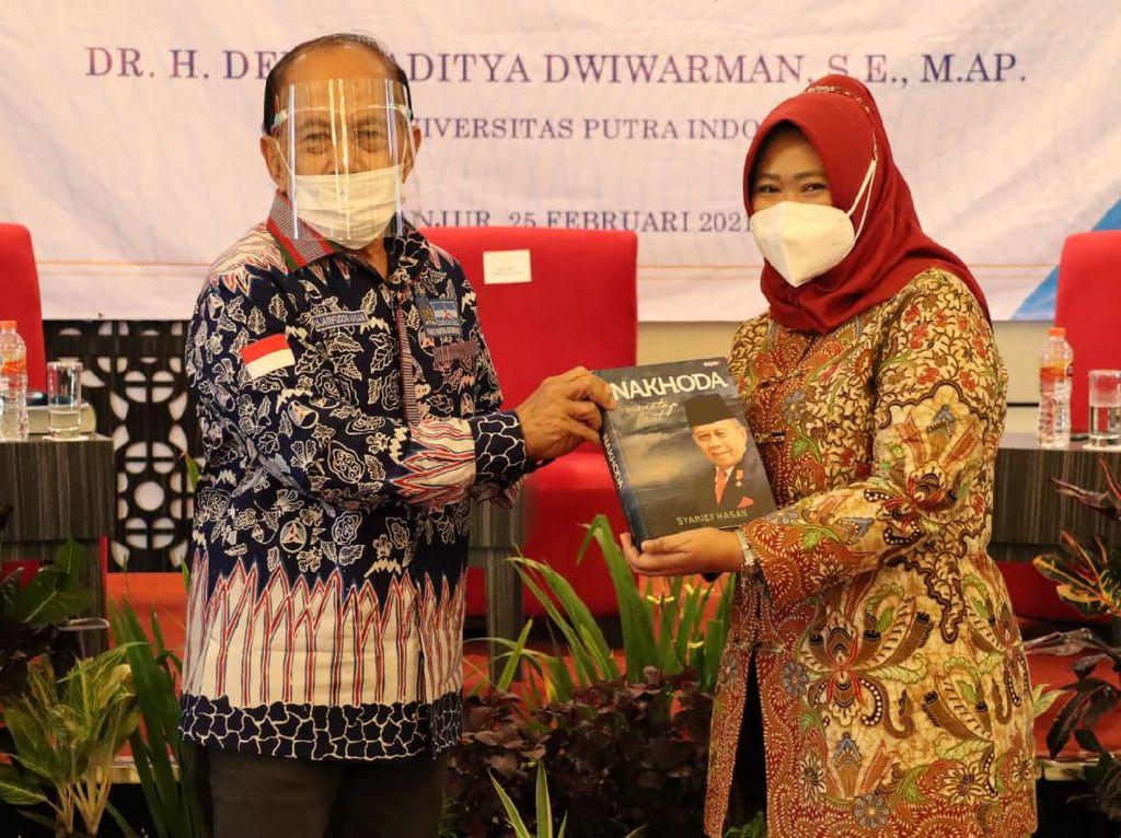 Bedah Buku Autobiografi, Syarief Hasan Cerita Masa Kecilnya di Pelosok
