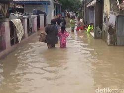 Banjir Rendam Permukiman Warga di Pamanukan Subang