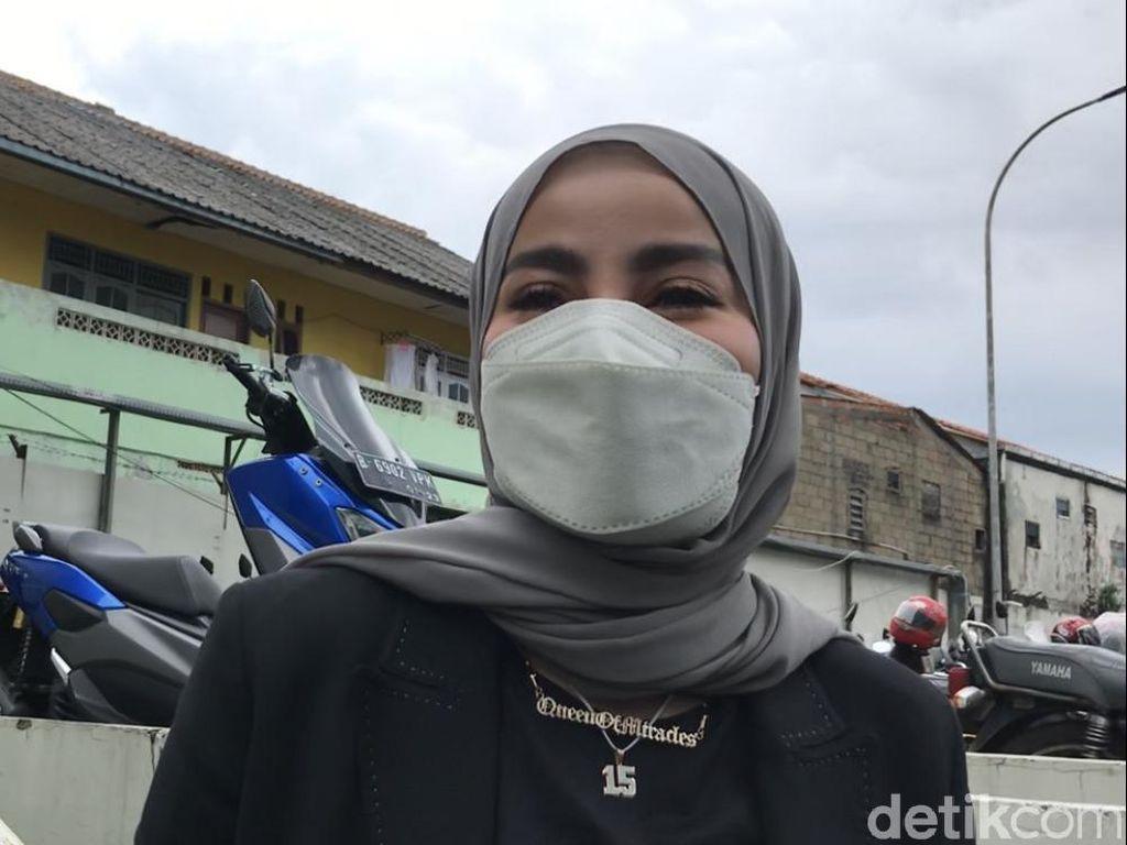 Olla Ramlan Tak Berantem, Hanya Kecewa Ditusuk Nindy dari Belakang