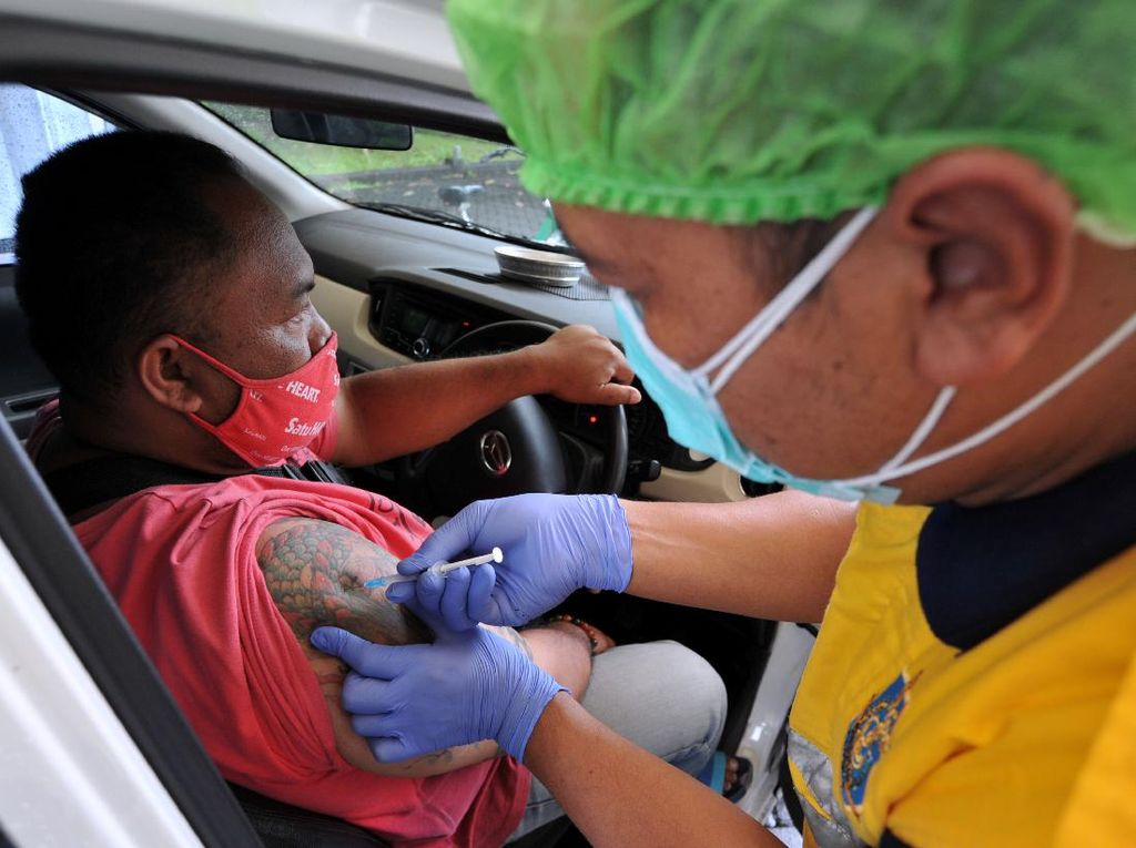Ada Layanan Vaksinasi COVID-19 Drive Thru di Bali