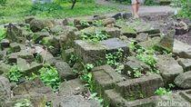 Cegah Rusak, Ratusan Batu Candi Dipindahkan ke Pekarangan Warga
