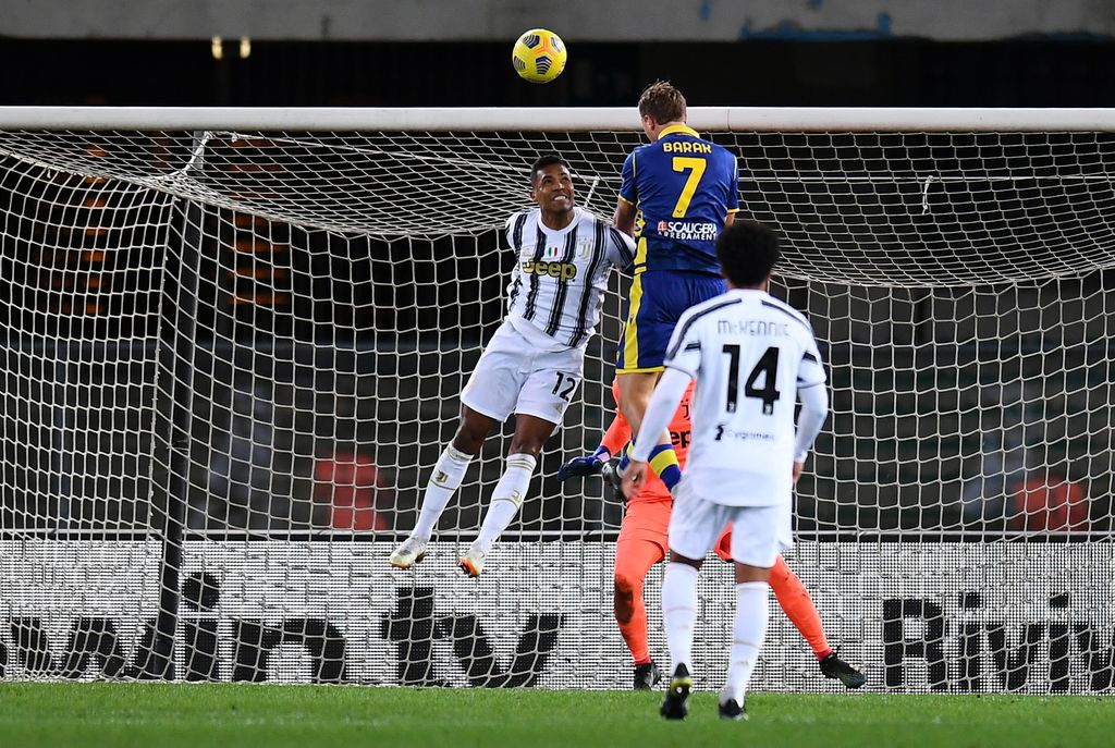 VERONA, ITALY - FEBRUARY 27: Antonin Barak of Hellas Verona scores their side's first goal during the Serie A match between Hellas Verona FC and Juventus at Stadio Marcantonio Bentegodi on February 27, 2021 in Verona, Italy. Sporting stadiums around Italy remain under strict restrictions due to the Coronavirus Pandemic as Government social distancing laws prohibit fans inside venues resulting in games being played behind closed doors. (Photo by Alessandro Sabattini/Getty Images)