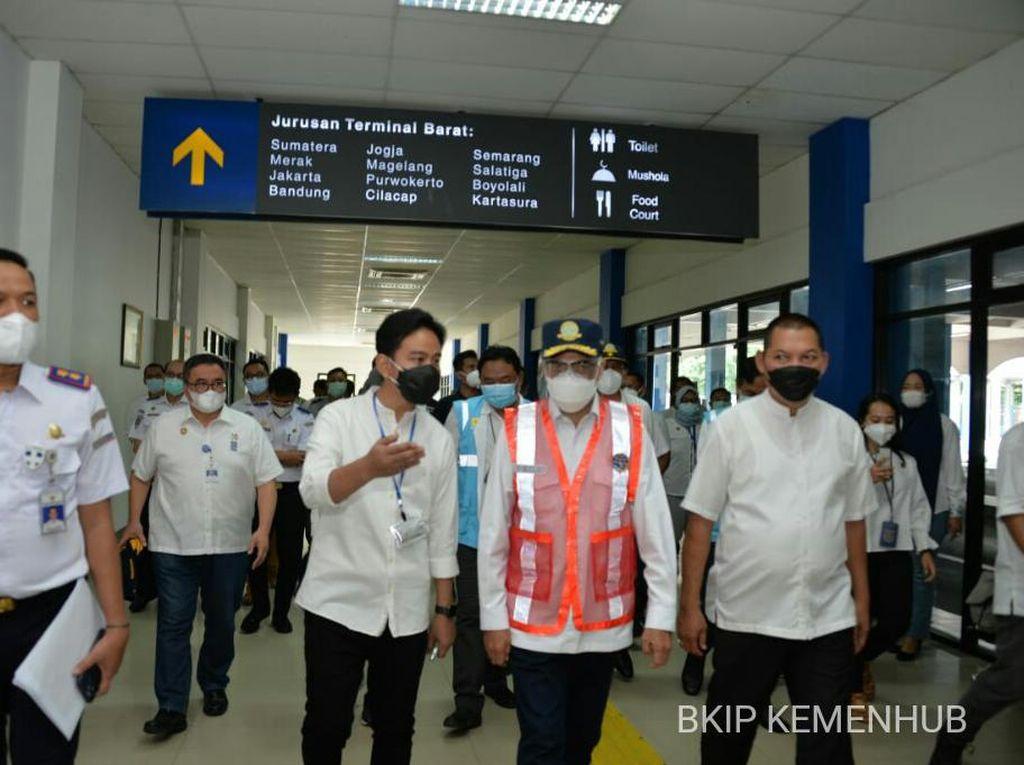 Tinjau KRL Yogya-Solo, Menhub Akan Kembangkan Jalur KRL Kutoarjo-Madiun