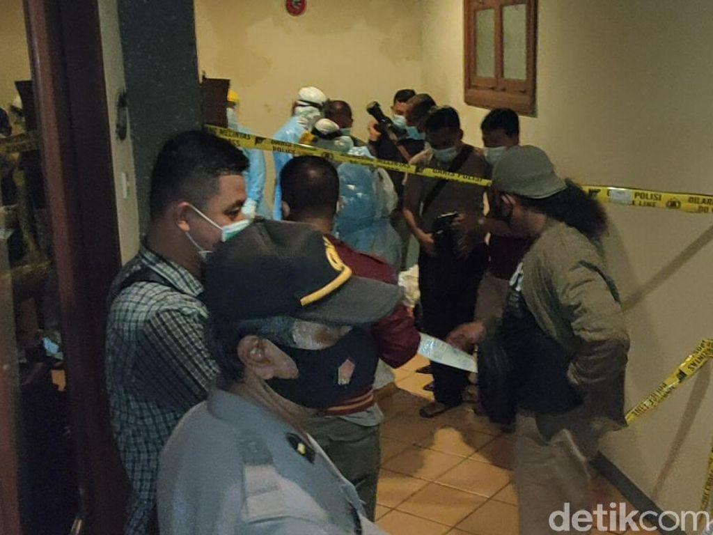 Polisi Temukan Alat Kontrasepsi Saat Olah TKP Pembunuhan di Hotel Kediri