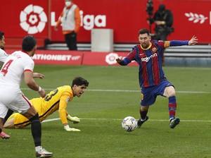 Eits....Ketika Pemain Sevilla Gagal Tangkap Messi