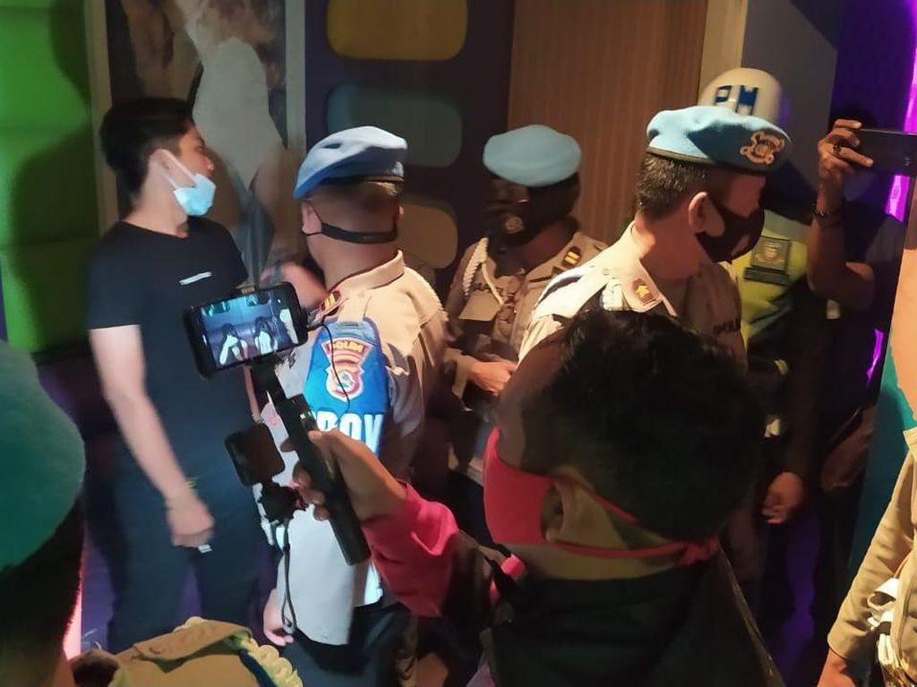 TNI-Polri di NTB Gelar Razia, Pastikan Anggota Tak Datangi Tempat Hiburan Malam