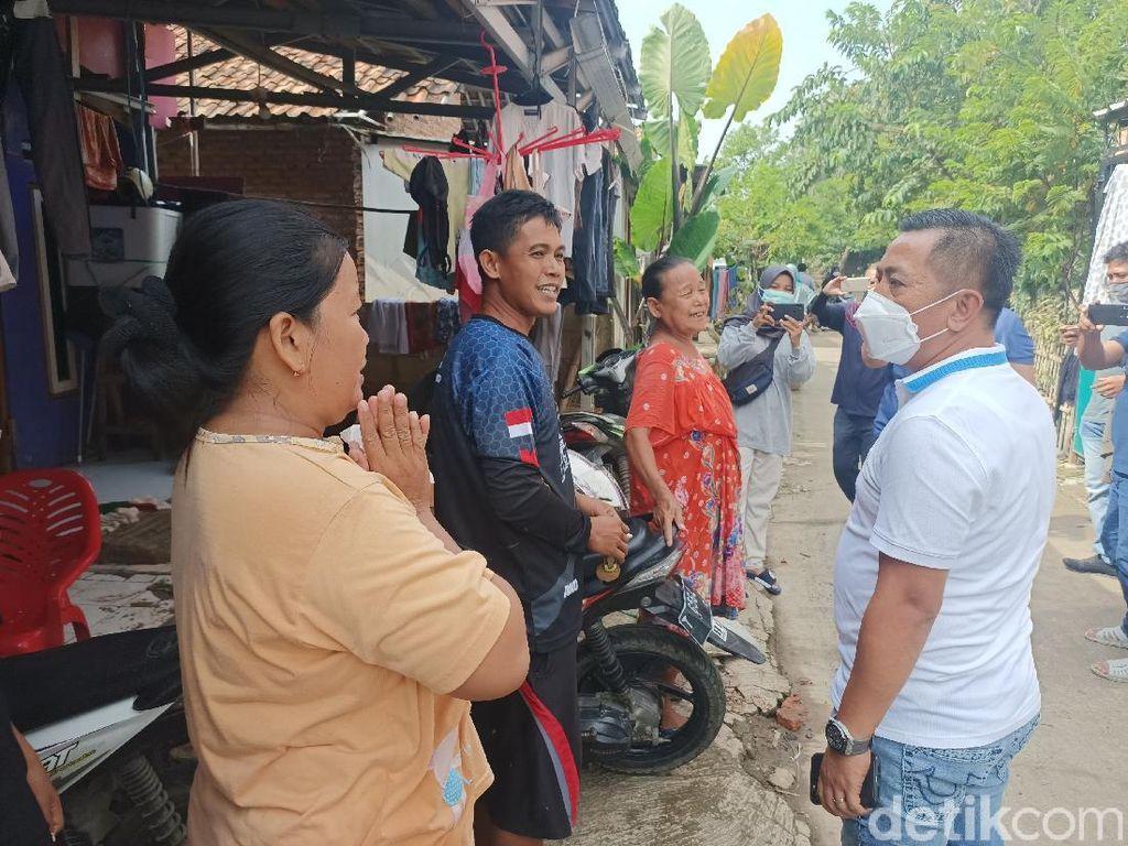 Tinjau Korban  Banjir, Wabup Karawang Janji Kirim Bantuan Air Bersih