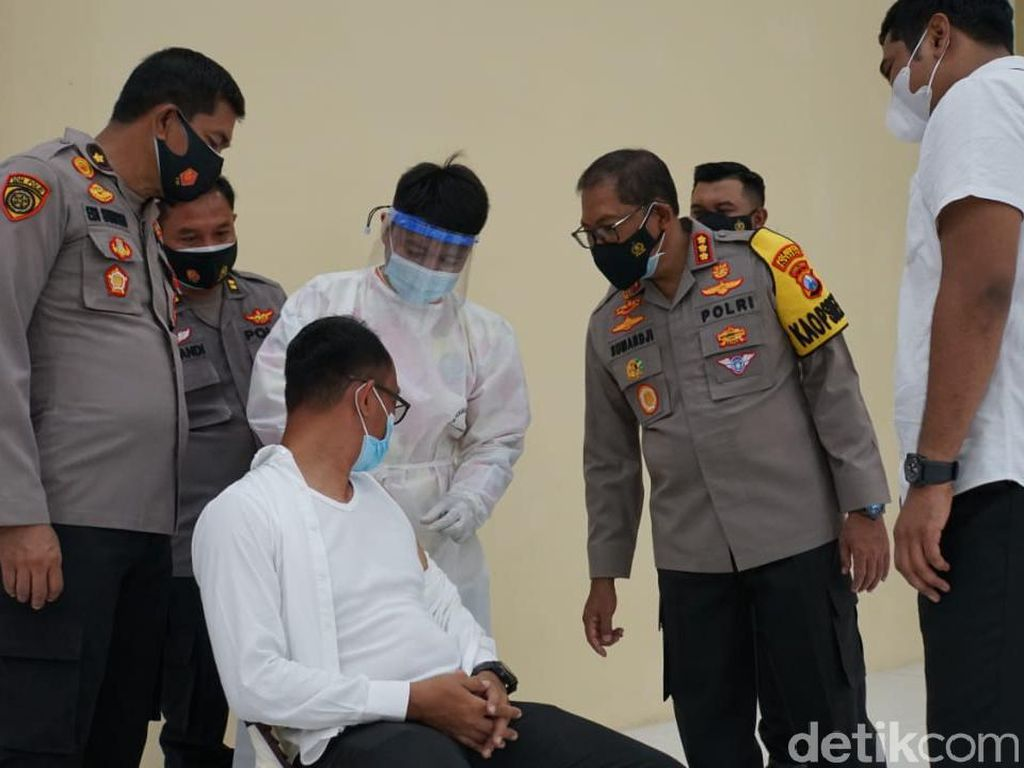 Ratusan Anggota Polisi di Sidoarjo Kembali Jalani Vaksinasi
