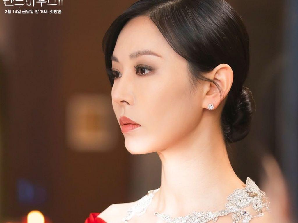 Tampil Mewah di The Penthouse 2, Ini Harga 10 Busana Si Jahat Kim So Yeon