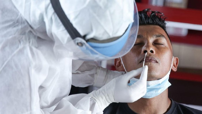 Skuad Bali United menjalani tes Swab, Senin (1/3), jelang menghadapi timnas Indonesia.