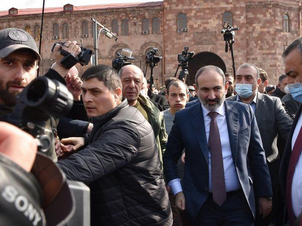 Buntut Kalah Perang, Krisis Politik Memuncak di Armenia