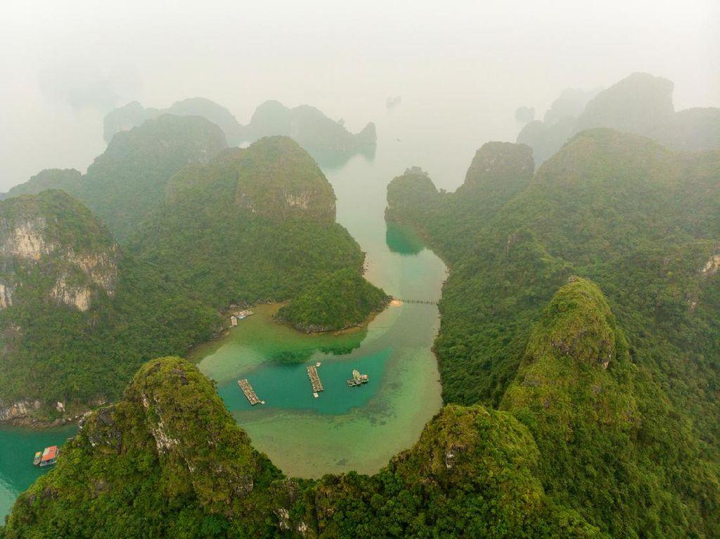Foto: Desa Terapung Tersembunyi di Balik Ha Long Bay