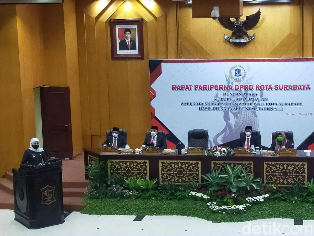 Gubernur Khofifah Pimpin Sertijab Wali Kota Surabaya dan Wakilnya
