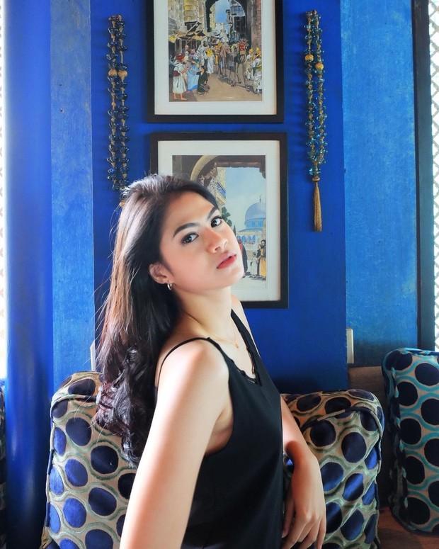 Hana Saraswati dengan rambut panjang menawan/instagram.com/hanahaho