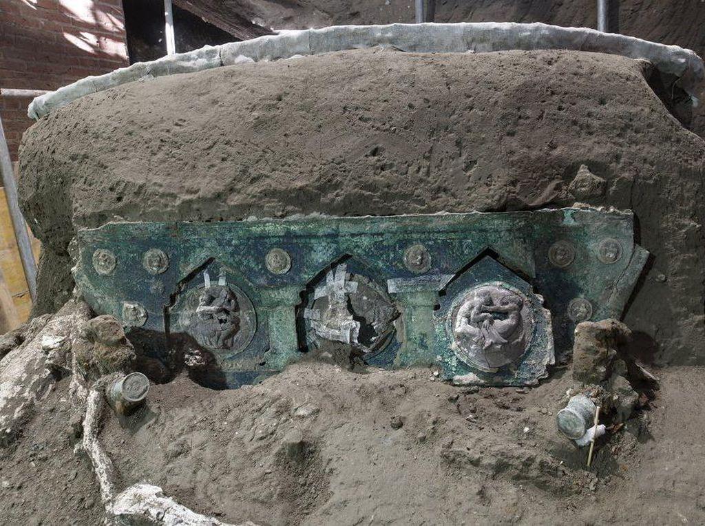 Kereta Kuno Berusia 2.000 Tahun Ditemukan di Pompeii, Apa Fungsinya?
