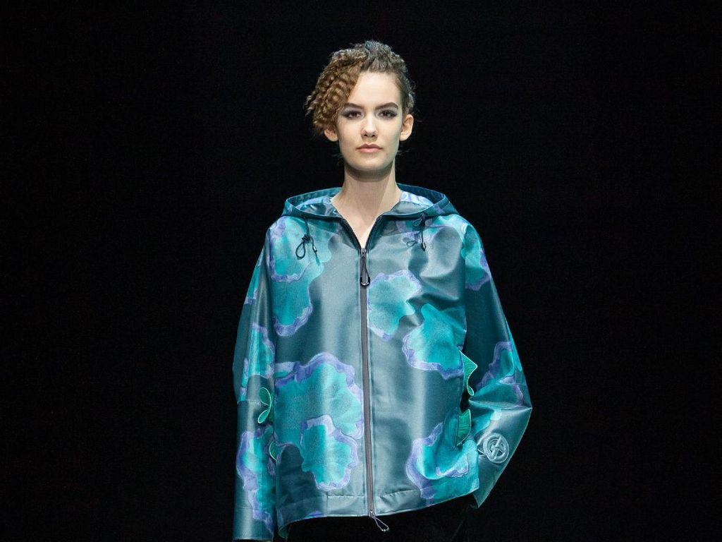 10 Koleksi Giorgio Armani Fall Winter 2021, Bergaya Kasual dengan Elegan