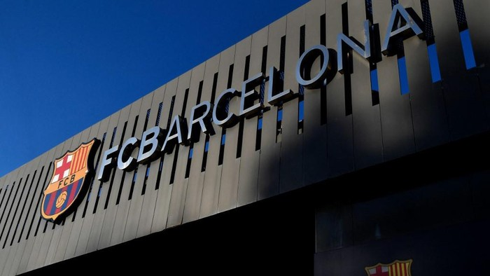 Picture shows a exterior view of the Camp Nou stadium in Barcelona on September 4, 2020. - Lionel Messi confirmed today he will stay at Barcelona, insisting he could never go to court against