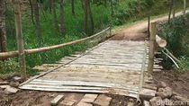 Jembatan Darurat Dibuat, Mobilitas Warga Terdampak Longsor Pasuruan Normal