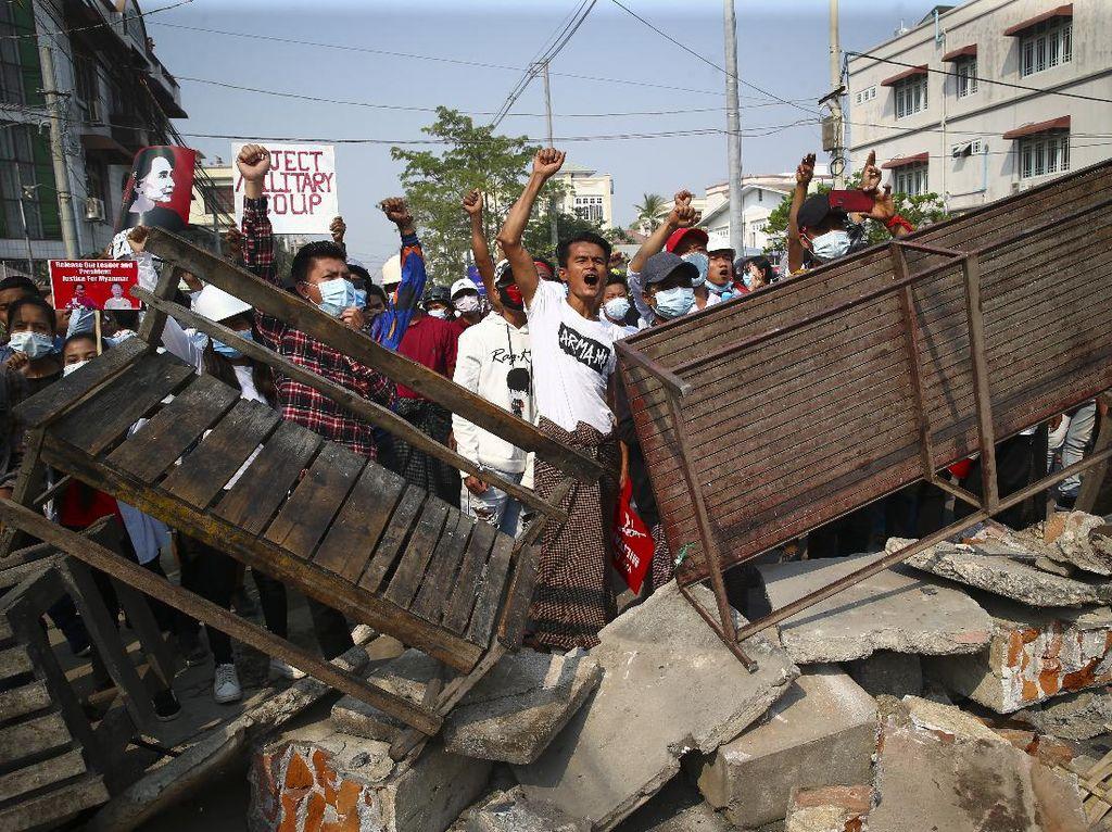 Mencekam! 18 Demonstran Antikudeta di Myanmar Tewas