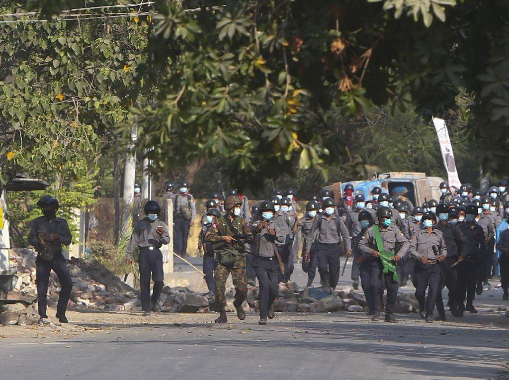Militer Myanmar Pakai Drone Canggih Israel untuk Pantau Demonstran