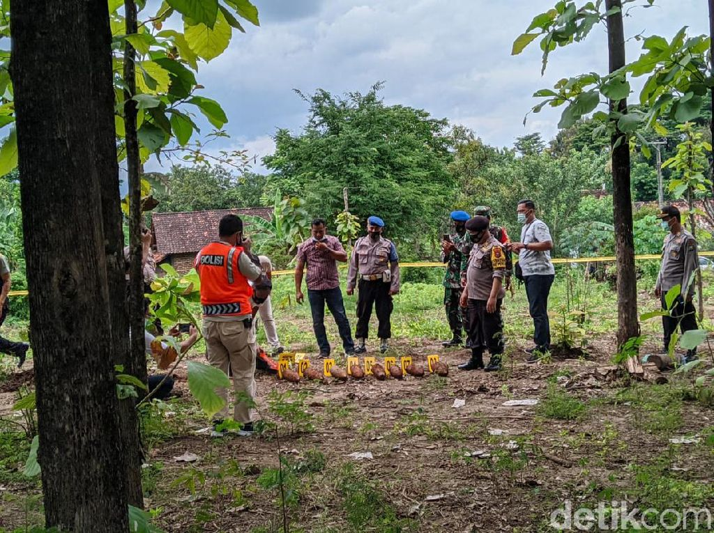 Warga Mlarak Ponorogo Geger, Ada 8 Mortir Terpendam di Ladang Jagung