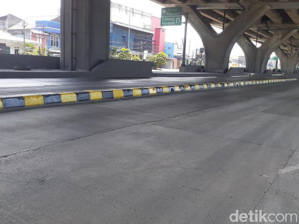 Pembatas Jl Cilincing Tak Dibongkar Meski Rawan Celaka, Ini Sebabnya
