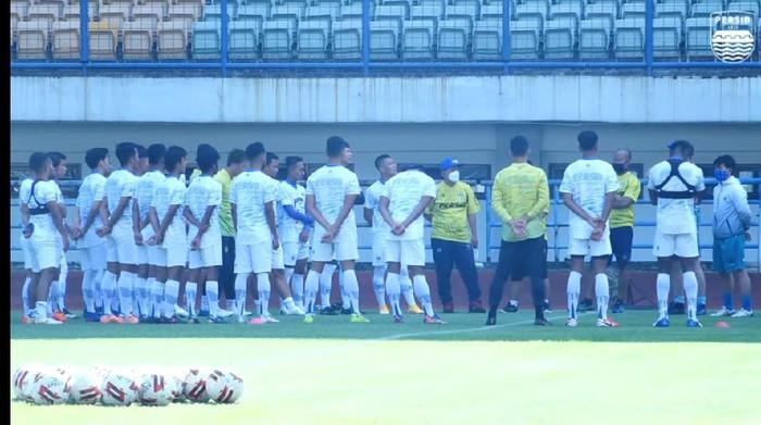 Persib Bandung menggelar latihan, kondisi pemain disorot Robert Albert.