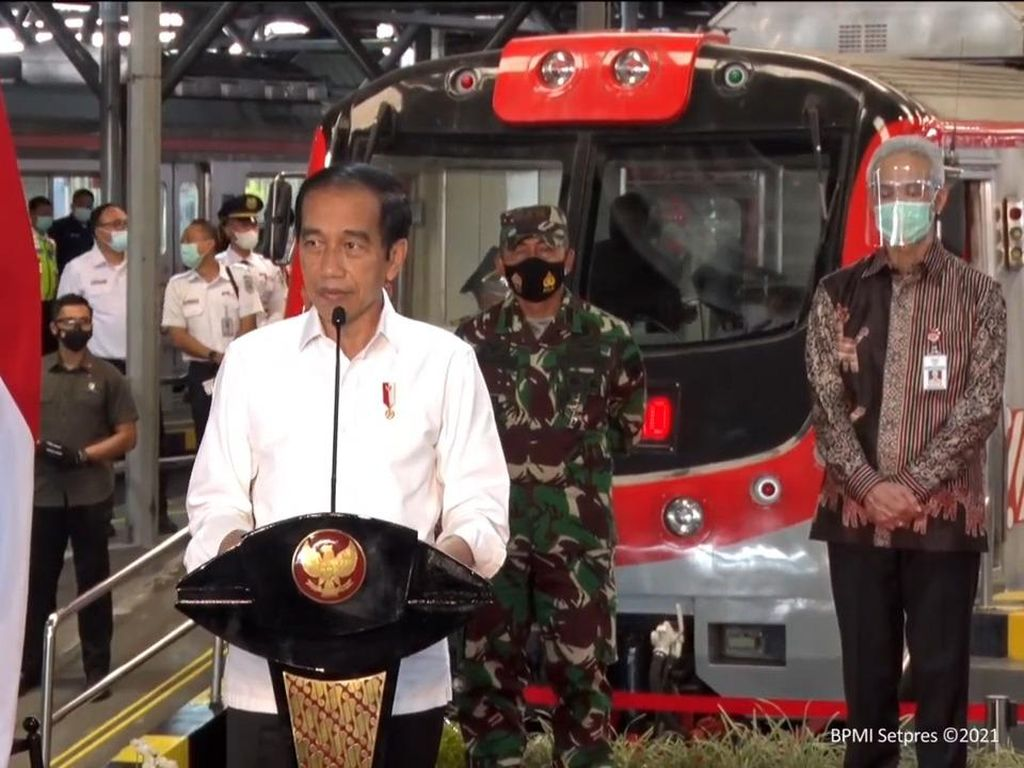 Jokowi Beberkan Keunggulan KRL Yogya-Solo, Apa saja?