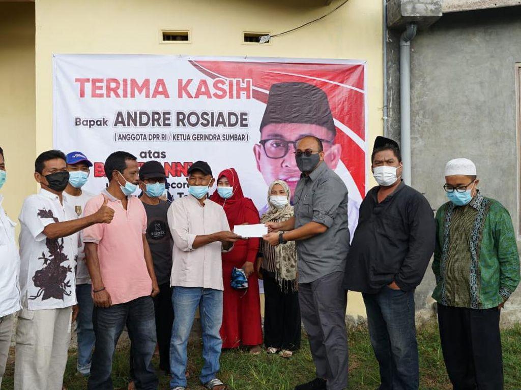 Keliling Padang, Andre Rosiade Tebar Lima Bantuan Sekaligus