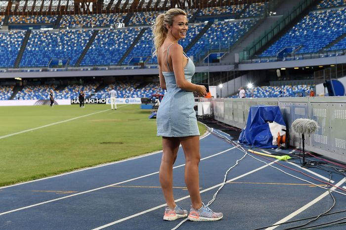NAPLES, ITALY - JULY 25: Diletta Leotta TV presenter before the Serie A match between SSC Napoli and US Sassuolo at Stadio San Paolo on July 25, 2020 in Naples, Italy. (Photo by Francesco Pecoraro/Getty Images)