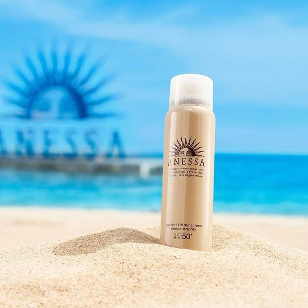 sunscreen spray.