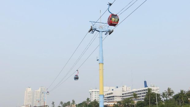 JAKARTA, INDONESIA - June 10, 2018: Cable car at Ancol Dreamland (Ancol Taman Impian).