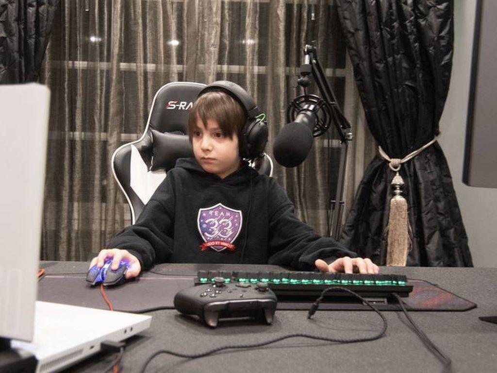 Bocah 8 Tahun Jadi Gamer Profesional, Raup Ratusan Juta